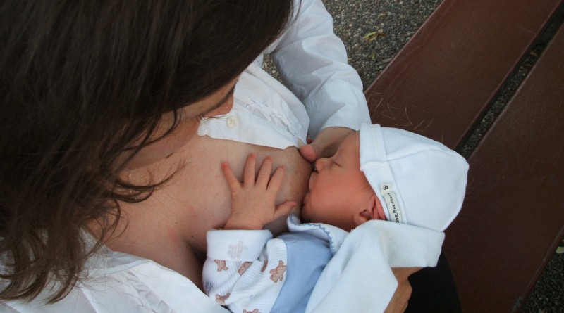 Top Tips For Easy Breastfeeding